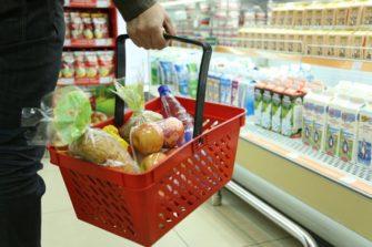 В Курской области дешевеют продукты и дорожает топливо